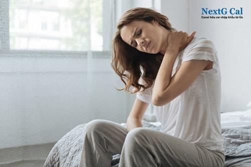 cách chữa đau cổ sau khi ngủ dậy