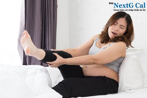 Đau nhức chân khi mang thai tháng cuối