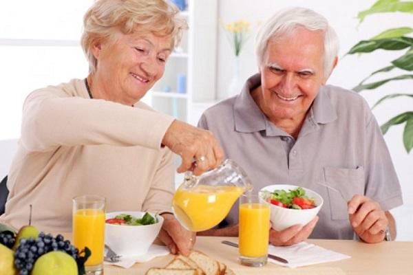 Bổ sung canxi cho người lớn tuổi