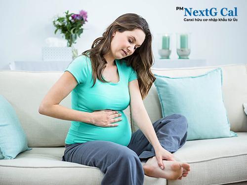 Cách chữa nhức mỏi chân cho bà bầu