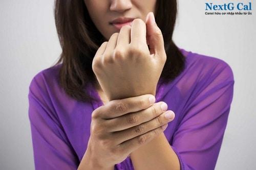 Hiện tượng đau khớp cổ tay trái phải