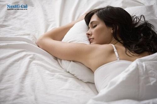 Nguyên nhân ngủ dậy bị đau cổ là gì