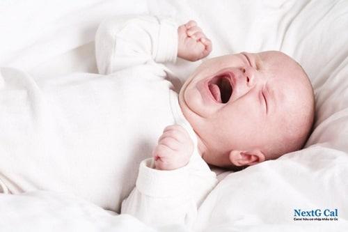 Biểu hiện trẻ sơ sinh thiếu canxi