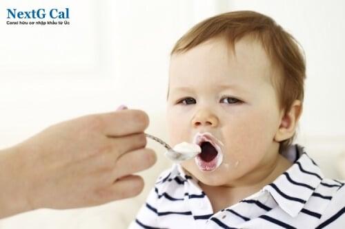 Hướng dẫn bổ sung canxi cho bé 7 tháng tuổi