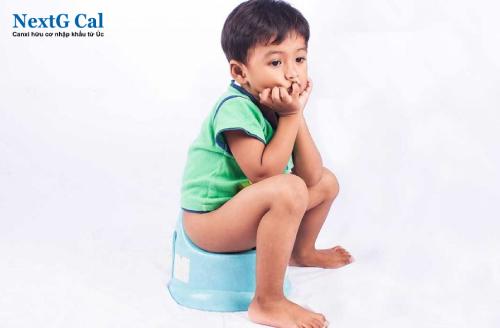 Trẻ thừa canxi có biểu hiện gì