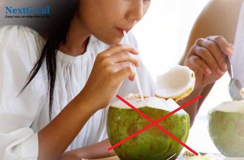 Uống nước dừa có bị sảy thai không