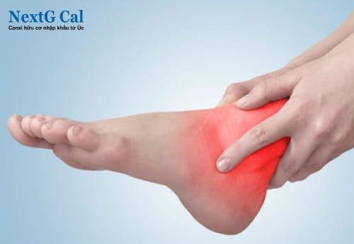 Bị viêm khớp cổ chân có nguy hiểm không
