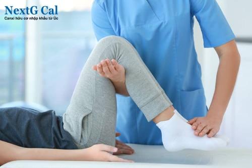 Cách chữa viêm khớp cổ chân phải
