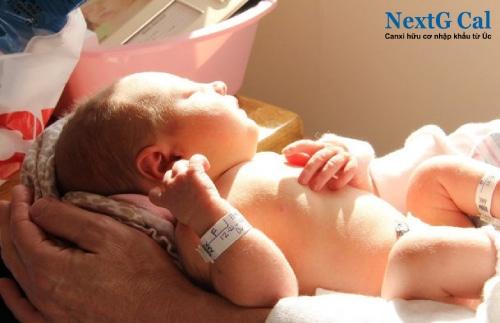 Cách trị vặn mình ở trẻ sơ sinh