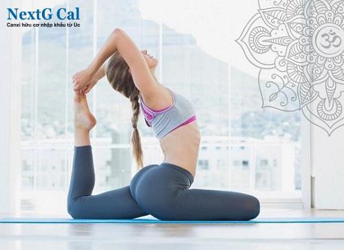 Bệnh viêm khớp vùng chậu có tập yoga được không