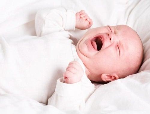 Tại sao bé lười bú sữa